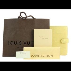 Louis Vuitton vanilla Epi Leather Agenda PM